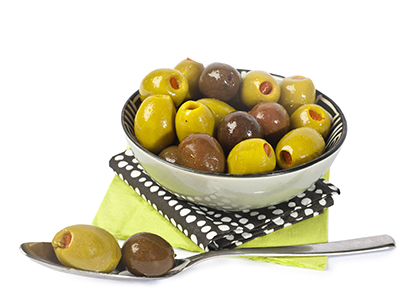 Mixed olives with turmeric