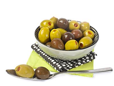 Mix di olive con curcuma